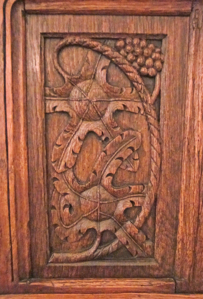 Ch teau d 39 azay le rideau carved wooden door panel with p for Wood carving doors hd images