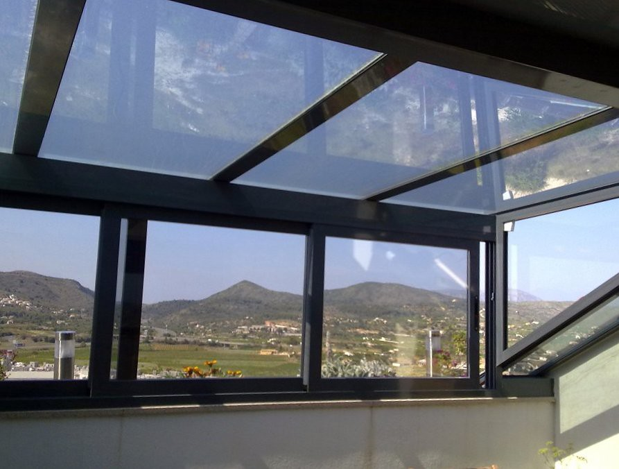 Cerramiento de terraza con aluminio cerramiento de for Cerramiento aluminio terraza