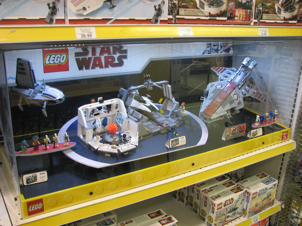 Toys Are Us Star Wars : Star wars legos at toys r us left to right