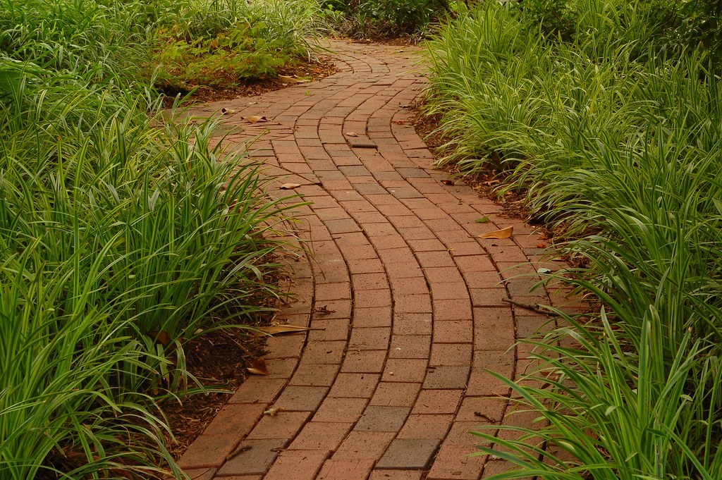 Curved Brick Path Brick Path To A House Joyce Flickr