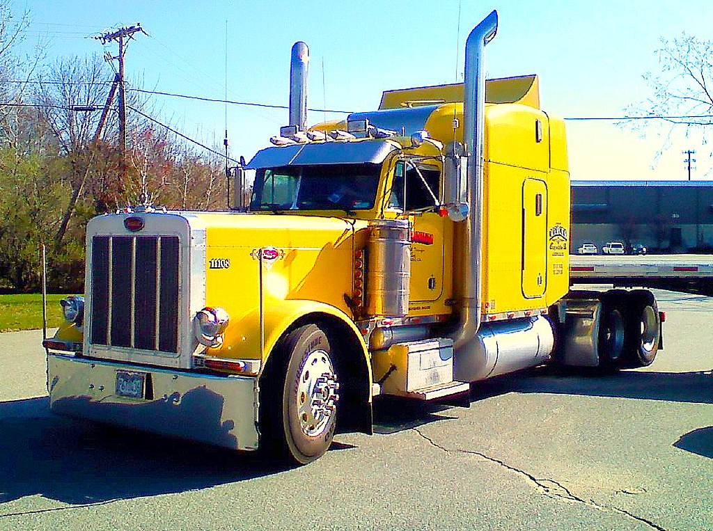 Kenworth t800 besides 995676 Dire Need Of Help Blinkers Wiring as well 81200 besides Daf lf 220 box truck in addition 32804731916. on kenworth headlights