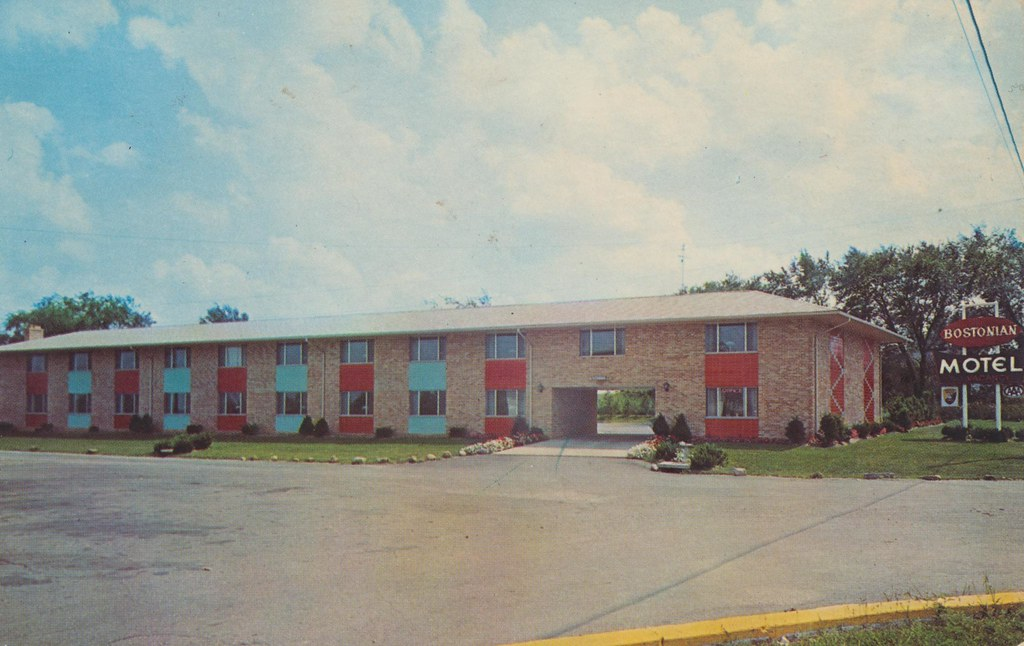 Bostonian Motel - Hudson, Ohio