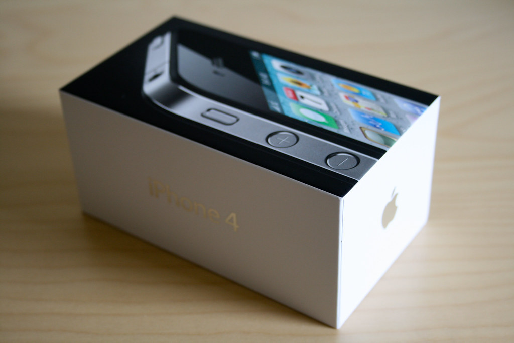 Second Hand Apple iPhone 4 - Black - Original Box | PhoneHero