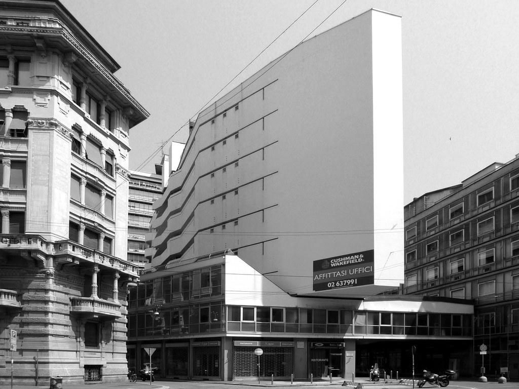 Complesso per uffici e abitazioni corso italia luigi mor for Corso arredatore d interni milano