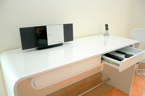 Mesa en metal escritorio moderno vanguardista minimalist for Escritorios de oficina minimalista