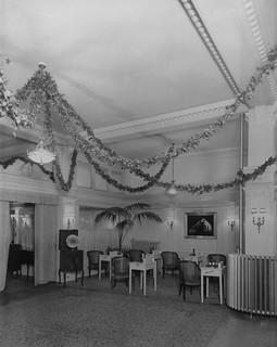 hmv 363 Oxford Street, London - Ground Floor Viewing Salon (including listening tables) - 1921
