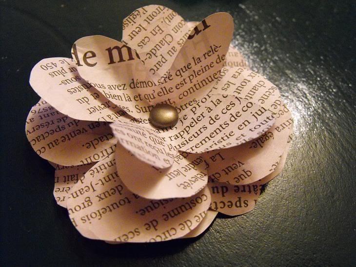 Fleur papier journal - Bricolage en papier journal ...