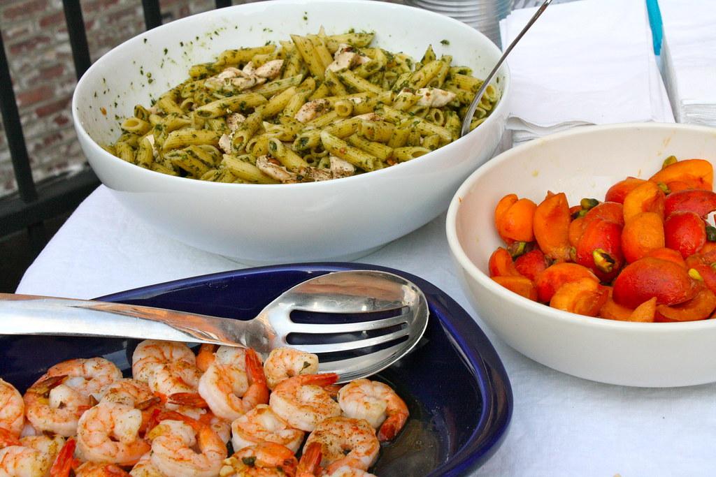 Housewarming chow felsull flickr for Easy housewarming party food