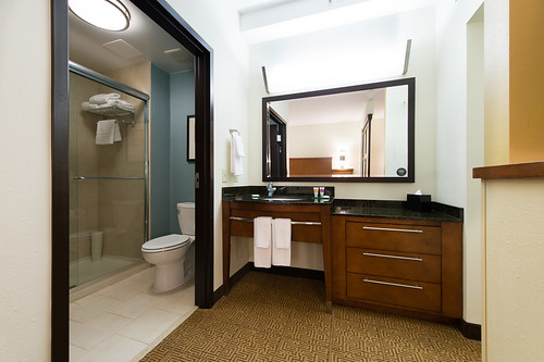 Bath and Dressing area | by Naman Hotels