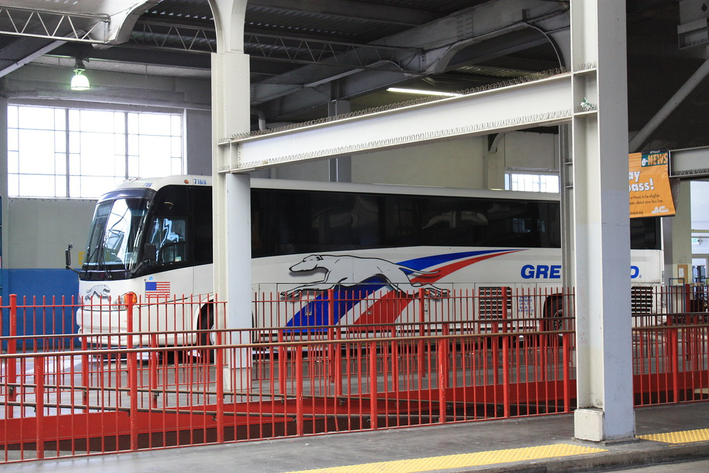 how to get to the greyhound bus terminal by subway