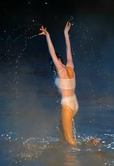 梦幻水立方:俄罗斯水上芭蕾舞剧《天鹅湖》