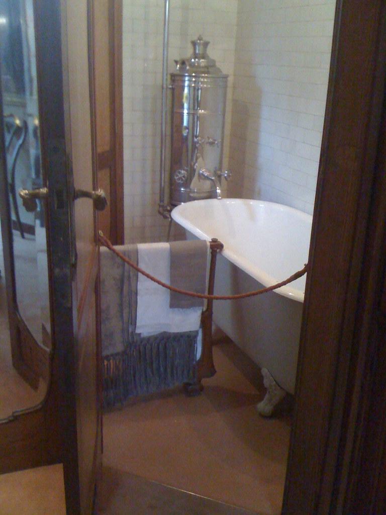 Belgique brussel bruxelles quartier saint gilles ma for Salle de bain wikipedia