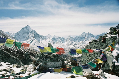 On a Khumbu pass, with prayer flags | by J Chau