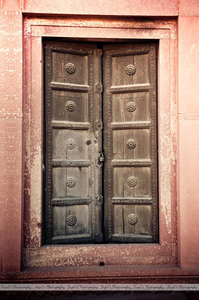 ... Old Door at Badshahi Masjid   by Syed Sibt-e-Hassan & Old Door at Badshahi Masjid   View On Black    Become a Fan u2026   Flickr pezcame.com