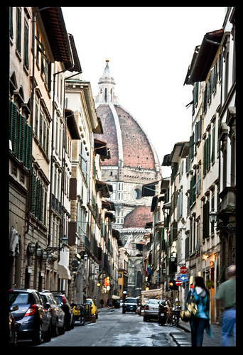 how to get from florence to the mall