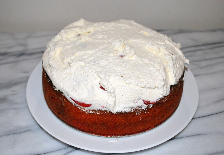 Strawberry Shortcut Cake
