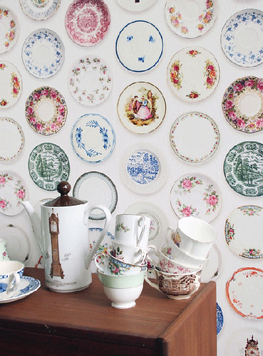 porcelain plates wallpaper | by the style files