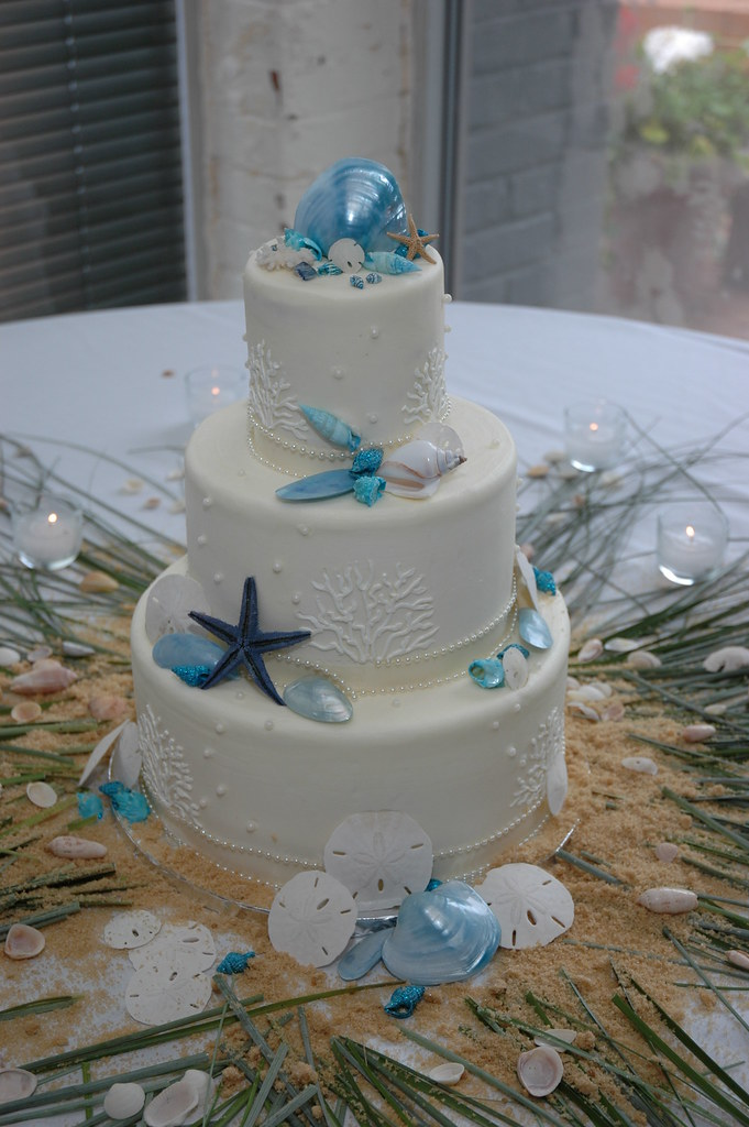 Beach Themed Wedding Cake Wedding Cake Adorned With Blue G Flickr