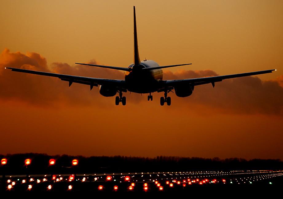 plane taking off leeds bradford autumn sunset naomi reynolds flickr. Black Bedroom Furniture Sets. Home Design Ideas