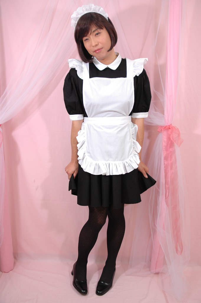 Serving Maid Girl 005 | I love maid-style uniform. Because