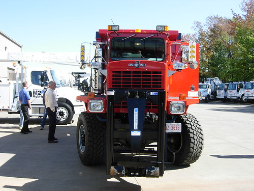 Plow Truck For Sale >> Findlay Airport OshKosh Snow Truck | An awesome OshKosh all-… | Flickr