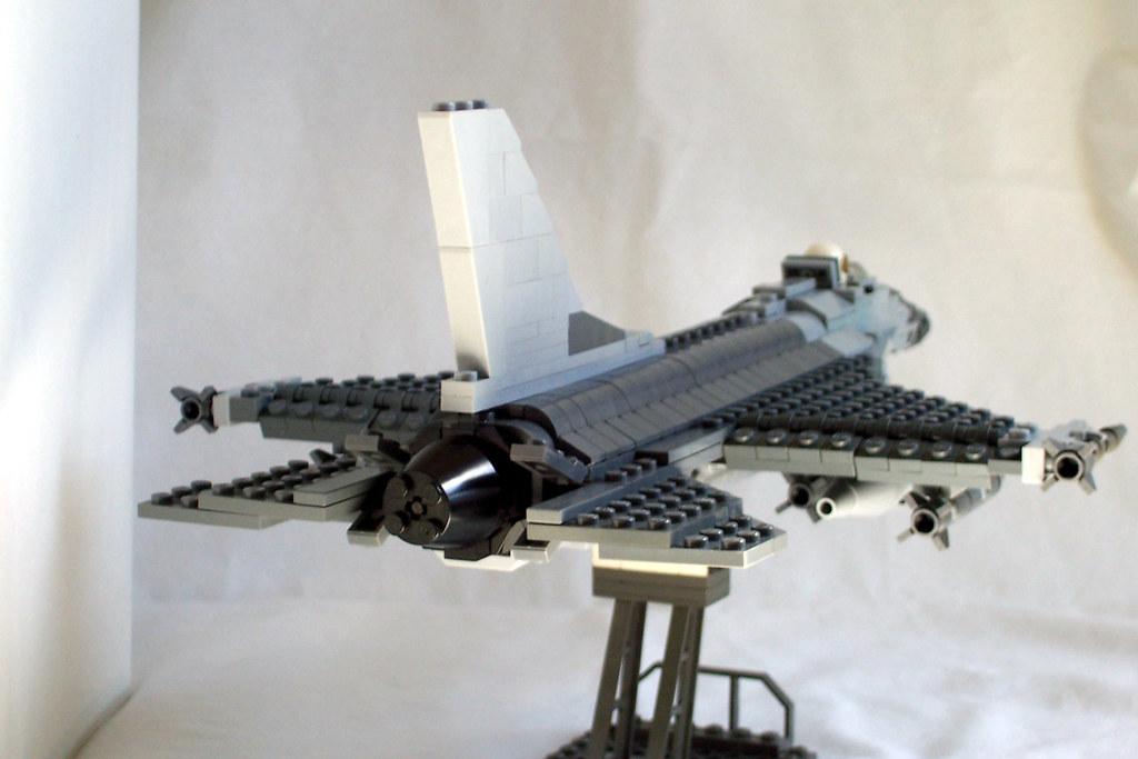 Video Camera Stabilizer >> LEGO F-16 back | I finally built a plane I designed first wi… | Flickr