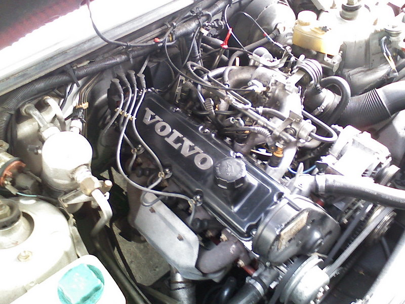 Volvo B230F 2.3 liter engine from a 740 | My brother just ...