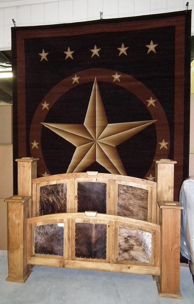 Huge Texas Star Rug & Cowhide Bed