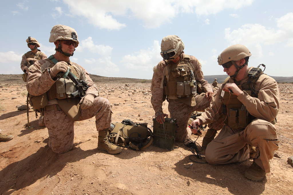 Marines set up satellite communications | 1st lt. Kenneth Mc… | Flickr
