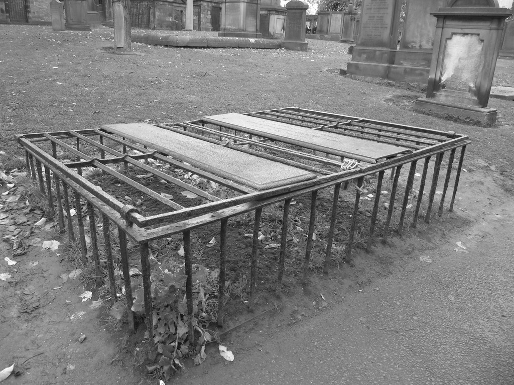 Mortsafe - Graveyard Shift | Before the Anatomy Act of 1832,… | Flickr