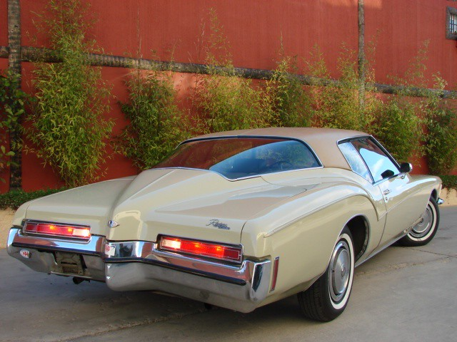 1992 Buick Riviera besides Watch besides Watch in addition Licznik Samochodowy in addition 1957 BUICK SUPER CUSTOM 2 DOOR HARDTOP 81416. on 2010 buick riviera