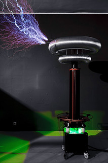 Tesla Coil Working | by dyorr