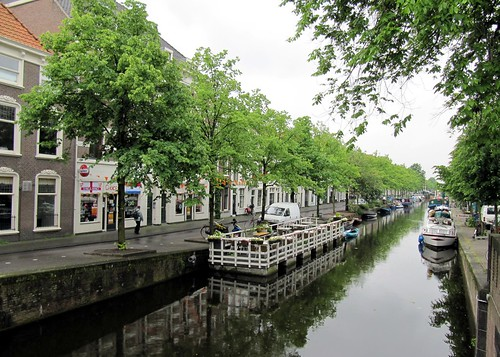 how to get from amsterdam to the hague