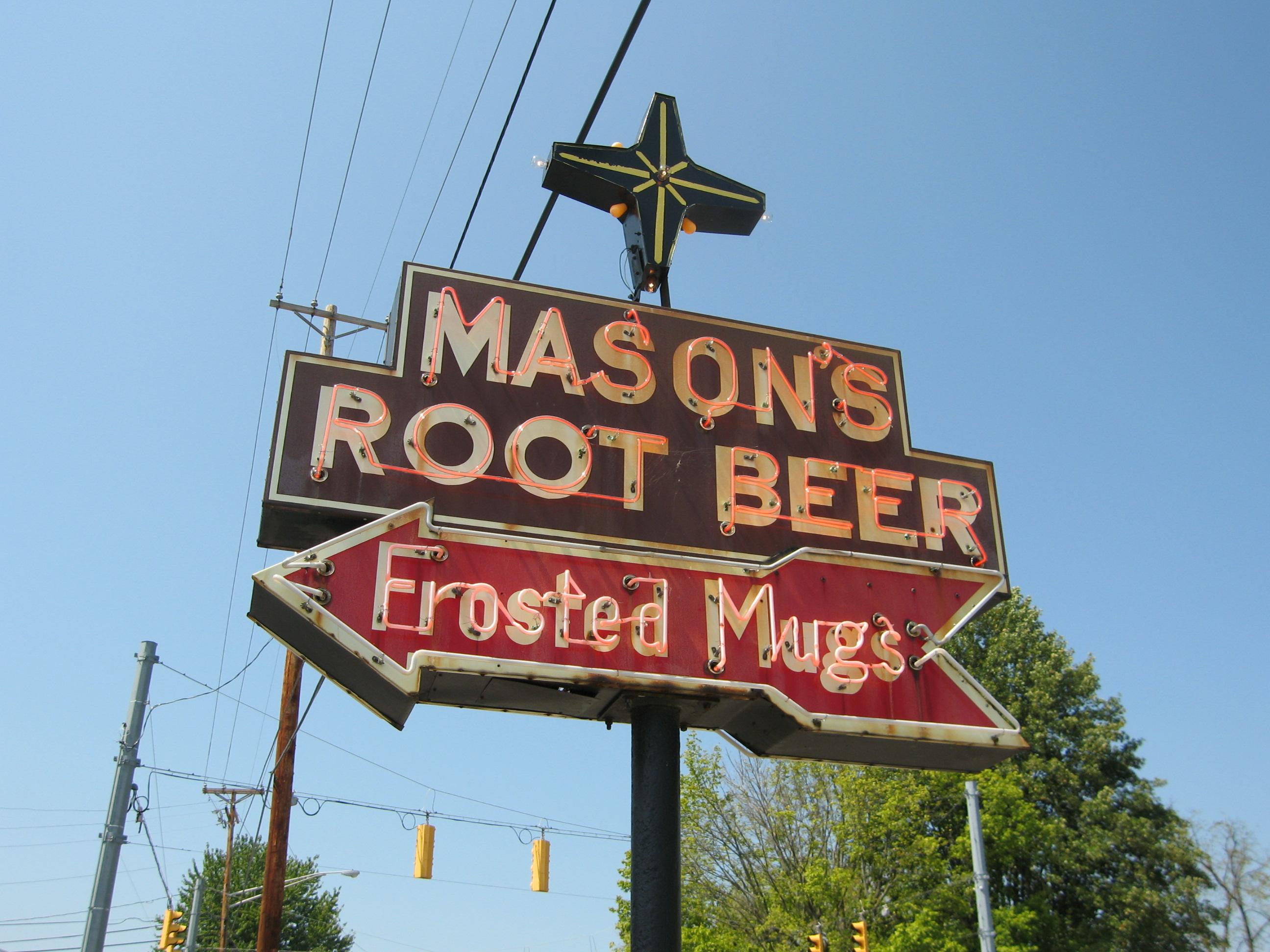 Mason's Root Beer - 1201 East National Highway, Washington, Indiana U.S.A. - August 28, 2010