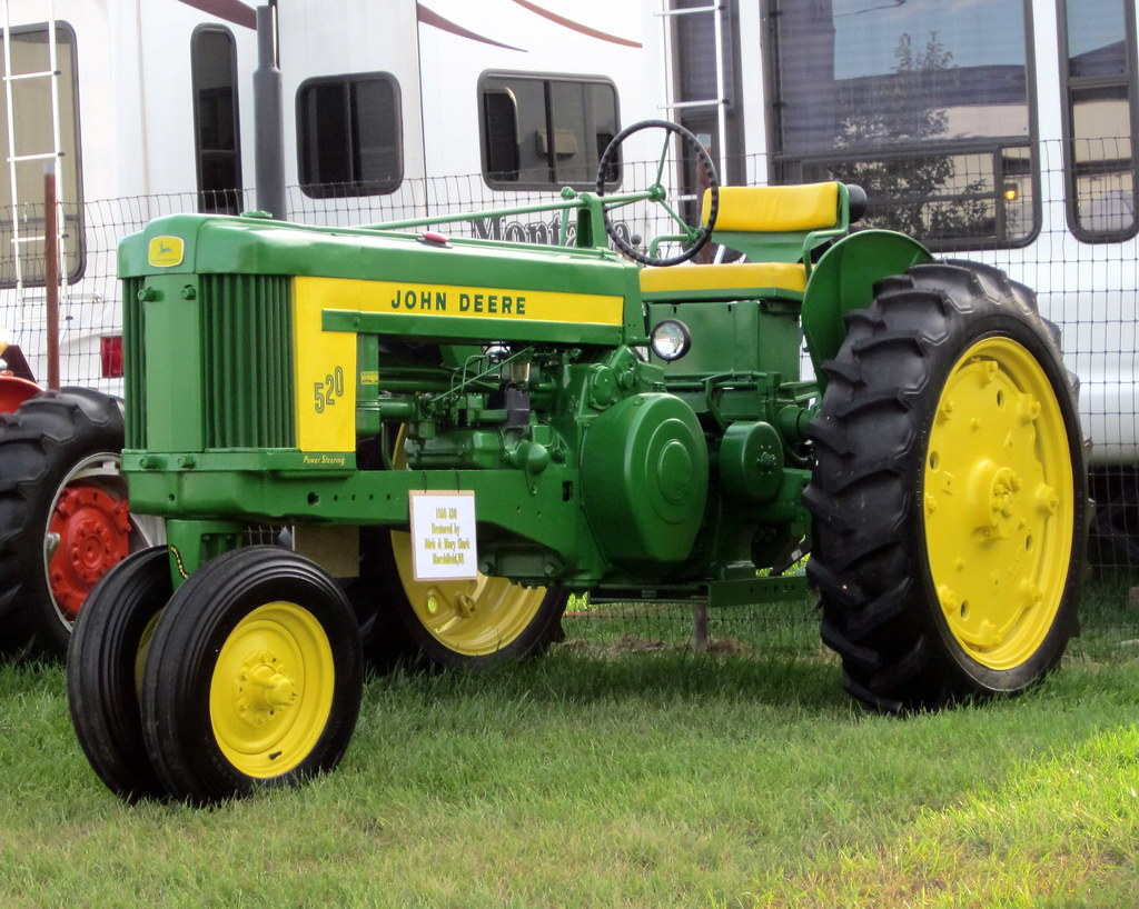 John Deere 520 Tractor Clutch : John deere tractor on display at the central wisc
