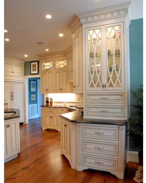 Baker kitchen after2 8x10 flickr photo sharing for Kitchen cabinets 8x10