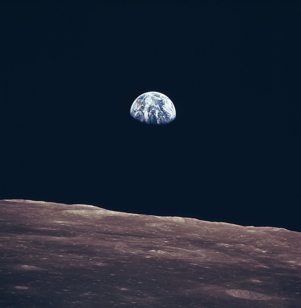 Look - Earth of view from moon video