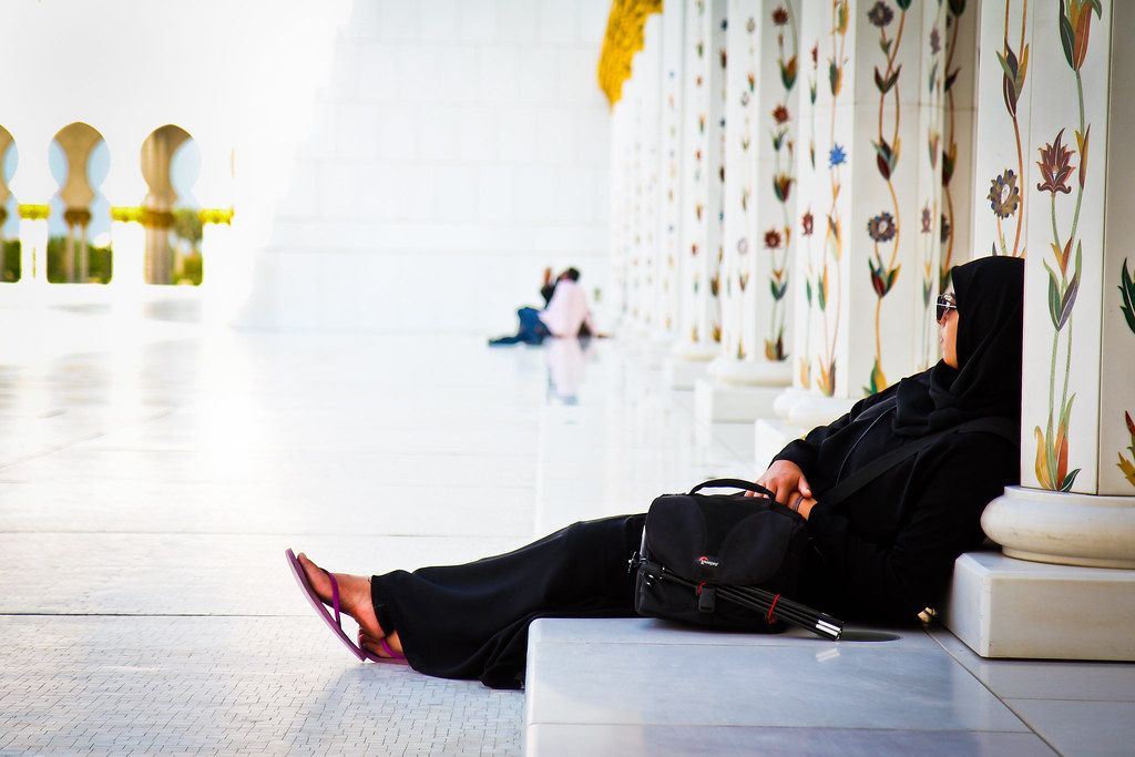 chilling at sheikh zayed at the sheikh zayed mosque in