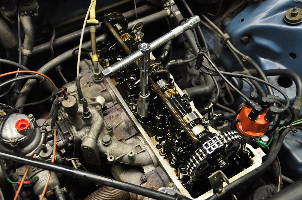 adjusting the valves on a mercedes m115 engine flickr