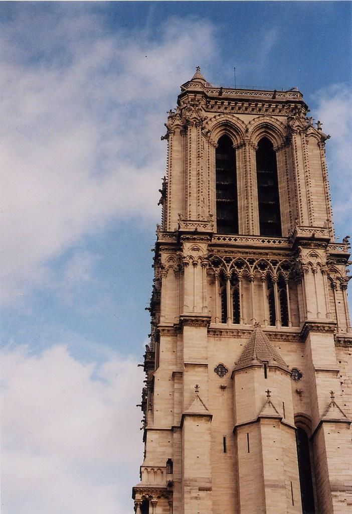 Tour saint jacques paris january 2011 voigtlander bessa flickr - Tour saint jacques paris ...