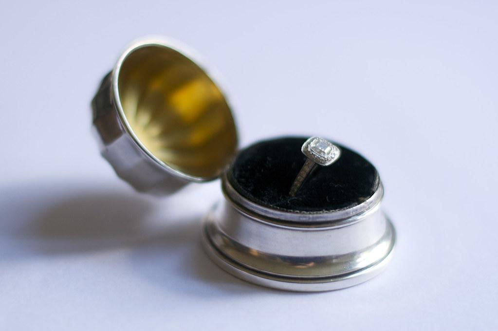 Plutinum Diamond Ring