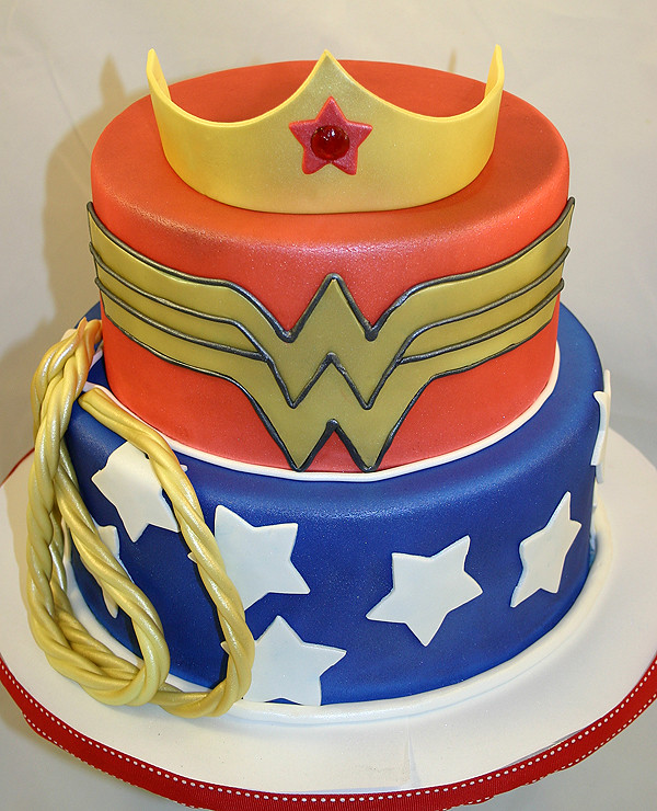 Cake Pictures For Ladies : Wonder-Woman-Cake Wonder Woman themed birthday cake. www ...