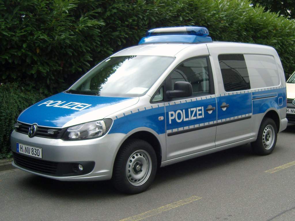 vw caddy maxi der polizei hannover deutschland flickr. Black Bedroom Furniture Sets. Home Design Ideas
