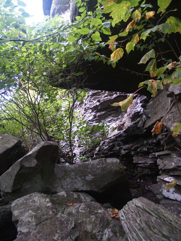 Cave-like overhang on this typical Catskill Ledge on the south side of Twin Mountain