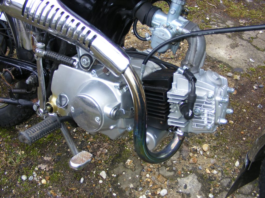 honda ss50 sweet little 110cc engine in the ss50 timbo. Black Bedroom Furniture Sets. Home Design Ideas