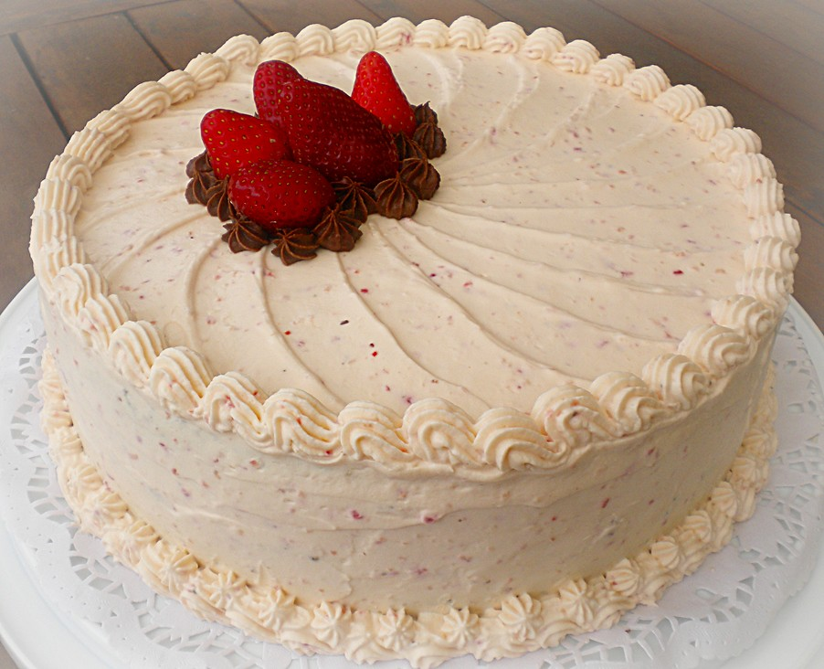 Cake With Whipped Cream Frosting Calories : Chocolate Cake with Strawberry Whipped Cream Frosting Flickr