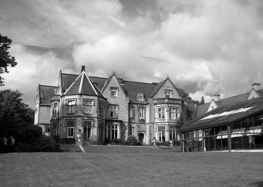 Kenwood Hall Hotel
