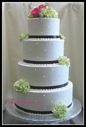 Wedding Cake With Swiss Dots Grace Tari Flickr