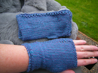 LMKG Fingerless Gloves | by yarninaround