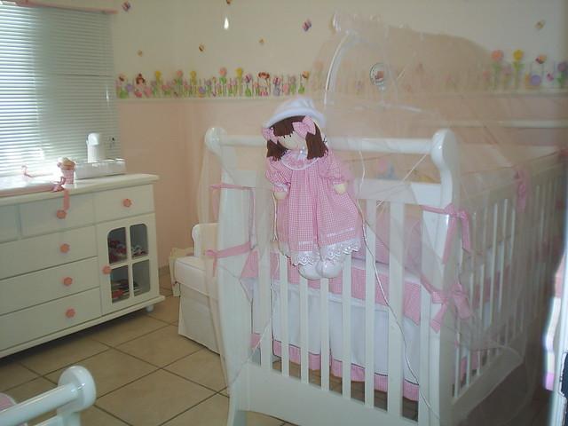 Quarto rosa para bebe menina com detalhe na parede Atelie  ~ Quarto Rosa Para Bebe